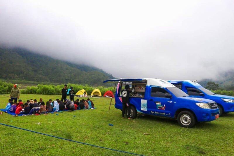 Mobil Perpustakaan Keliling Daerah Terpencil di Pinrang.--humas--